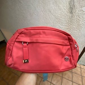 Lululemon on the beat belt bag 4.5L